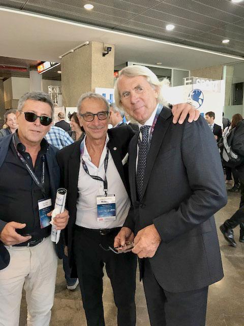 E. Castellacci e A. Tucciarione con J. Dvorak, chief Medical Officier della FIFA, durante una pausa del XXVI Congresso Isokinetic