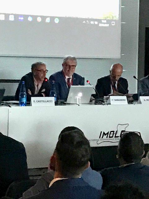 G. Monetti con E. Castellacci e P. Tamburrino durante la moderazione della sessione sulle lesioni muscolari