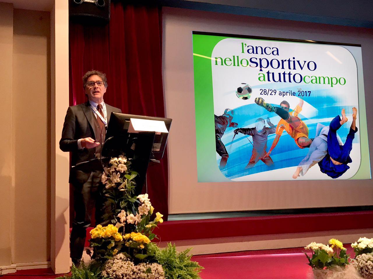 F. Tencone durante la presentazione della relazione