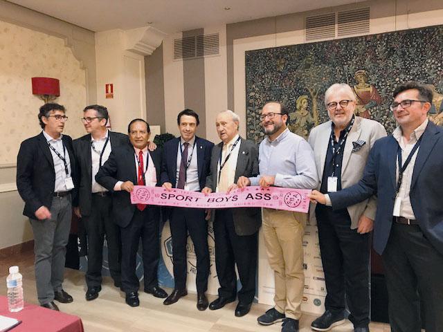 F. Tencone  e P. Tamburrino in occasione del XXI Congresso AEMEF tenutosi a Valladolid, con il Dr. C. Alvarado Responsabile  Medico del Perù e Presidente del VII Congresso HISPAMEF  (Asociacion Hispanoamericana de Medicina do Futbol) in programma a Lima nel 2018.